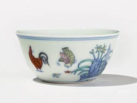 """Bol """"chicken cup"""", Chine, style dynastie Ming (1368-1644) Porcelaine à émaux doucai, marque, D 8 cm"""