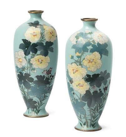 Paar Vasen
