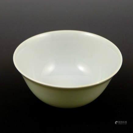 Yongzheng sweet white glaze bowl