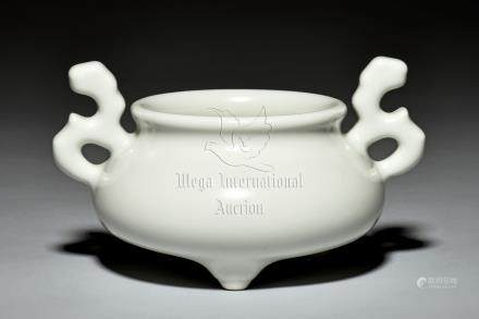 WHITE GLAZED TRIPOD CENSER WITH HANDLES