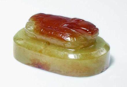 清 帶皮黃玉龜印
