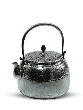 純銀雲龍紋湯沸