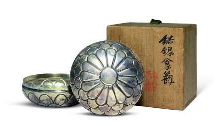 藏六造 純銀菊花紋盒