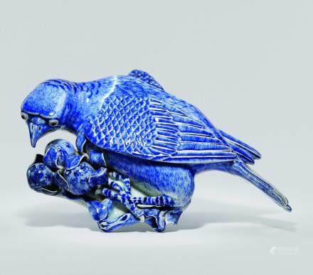 清十八世紀 青花鸚鵡枇杷壁瓶