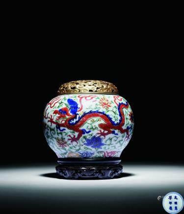 明萬曆 五彩龍紋壺