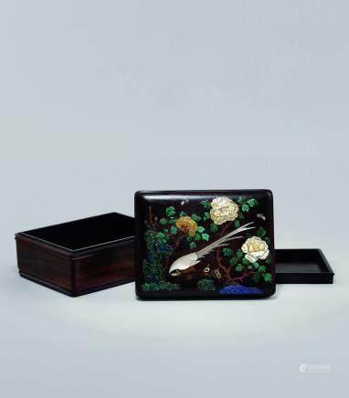 清初 紫檀嵌百寶綬帶牡丹蓋盒
