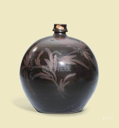 A CIZHOU BLACK-GLAZED RUSSET-DECORATED 'FLORAL' GLOBULAR WINE JAR