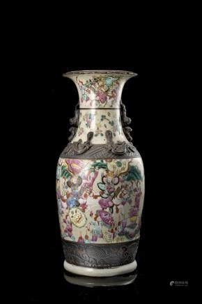 中國 二十世紀 成化仿款 碎紋地彩繪人物紋瓶