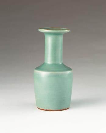 宋 龙泉窑棒槌瓶
