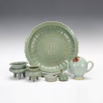 青釉香爐、盤 及其他 6件