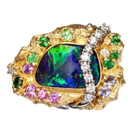 梶 光夫 黑蛋白石 鑽石 藍寶石 綠色石榴石 鉑金 黃金戒指