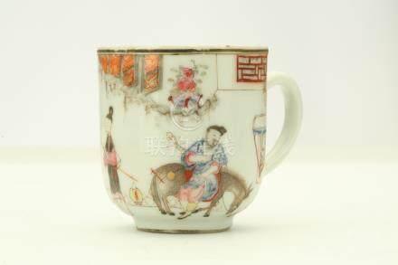 清雍正   粉彩繪人物咖啡杯碟一套