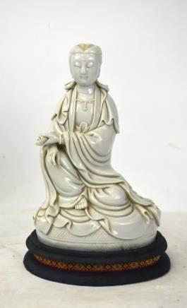 Chine- De- Blanc Guanyin Figure