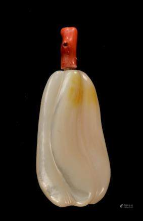 A CARVED MOTHER OF PEARL SNUFF BOTTLE