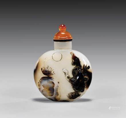 CARVED SHADOW AGATE SNUFF BOTTLE 雕花影子玛瑙鼻烟壶 CARVED SHADOW AGATE SNUFF BOTTLE 雕花影子玛瑙鼻烟壶