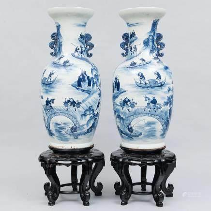 Importante pareja de jarrones en porcelana china. Trabajo Chino, Siglo XIX -XX