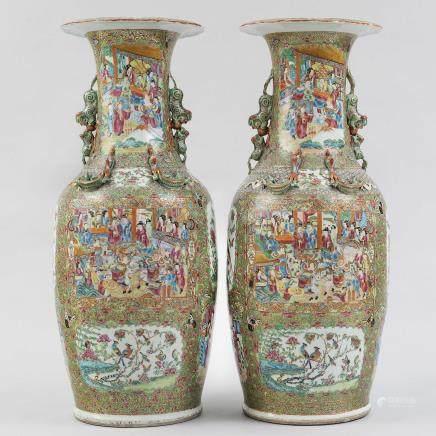Importante pareja de jarrones en porcelana china de cantón. Trabajo chino, Siglo XIX