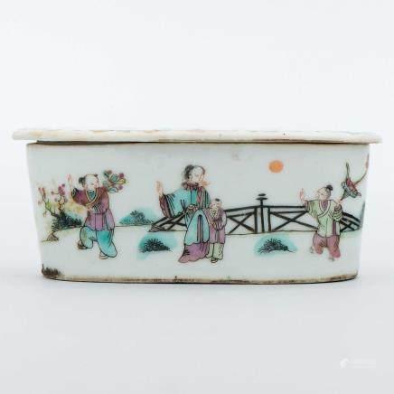 Quemador en porcelana china de cantón. Trabajo Chino, Siglo XIX