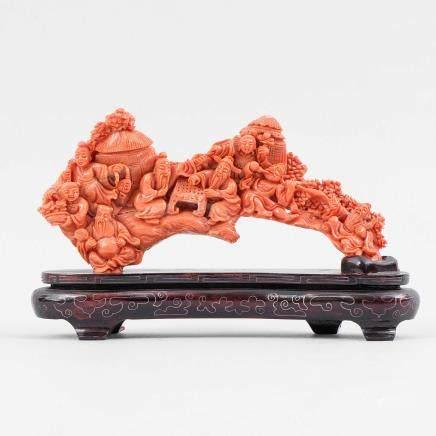 """""""Conjunto de ocho Inmortales de la Antigüedad"""" Importante grupo escultórico realizado en coral rojo. Trabajo Chino, Primera mitad del siglo XX."""