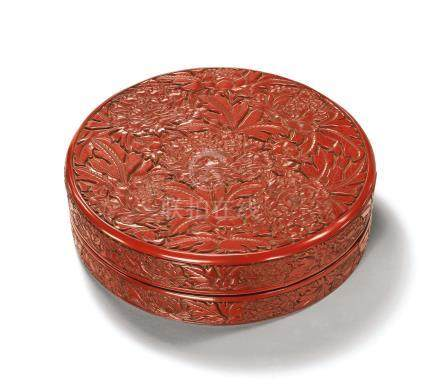 A SUPERBLY CARVED CINNABAR LACQUER BOX AND COVER