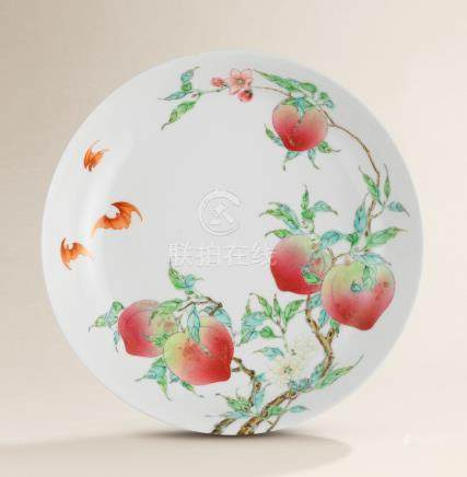 A FINE AND EXCEPTIONAL FAMILLE ROSE 'PEACH' DISH