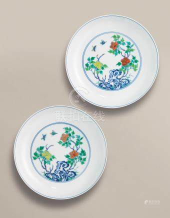 A FINE AND SUPERBLY PAINTED PAIR OF DOUCAI 'PEONY' DISHES