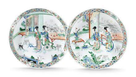 A PAIR OF CHINESE FAMILLE VERTE DISHES