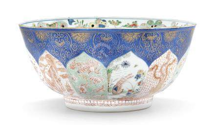 AN UNUSUAL CHINESE FAMILLE VERTE POWDER-BLUE AND GILT PUNCH BOWL