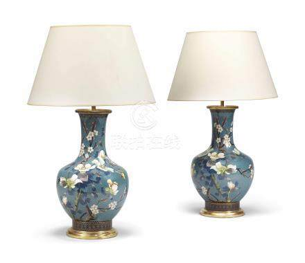 A PAIR OF CLOISONNE ENAMEL VASE LAMPS