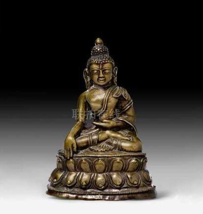 A SMALL BRONZE FIGURE OF BUDDHA SHAKYAMUNI.