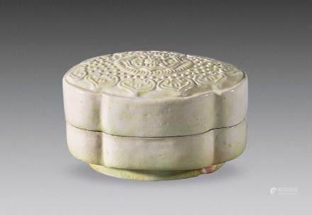 唐代邢窑白釉粉盒