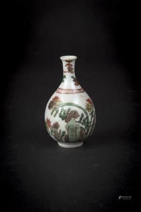 Kangxi, A Small Wucai Floral Yuhuchunping