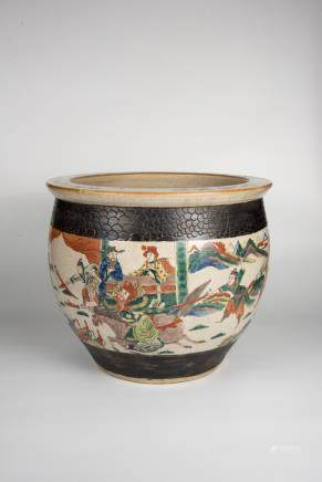 Qing, Guangxu Wucai Jar with Figures and Crackles