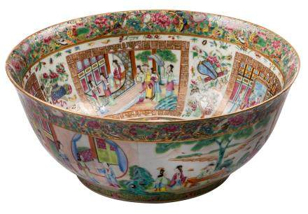 A Chinese famille rose Canton bowl, overall decorated with court scenes, 19thC, H 16,5 - ø 40,5 cm