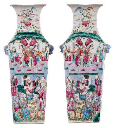 A pair of famille rose quadrangular vases, decorated with animated scenes and court scenes, 19thC, H 43 cm