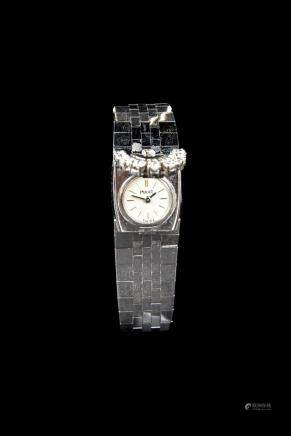 Piaget, 1980 A lady's extravagant diamond-set wristwatch Case