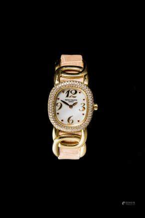 Patek Philippe Ladies Ellipse 18K Yellow Gold with diamond bezel, Ref 4831 Quartz