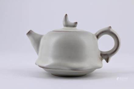 Song Ding Yao Porcelain Teapot