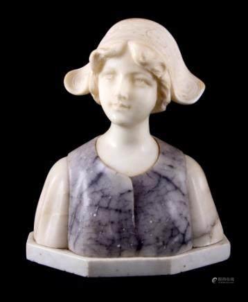大理石女孩雕像