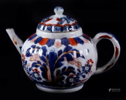伊万里瓷器茶壶