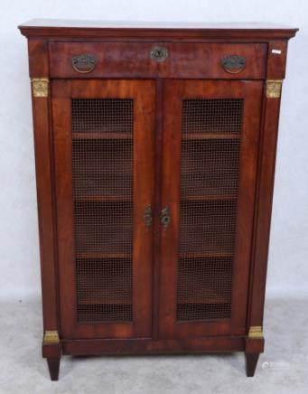 古董橡木书柜