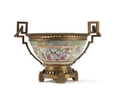 Chine, fin XIXe siècle Important bol en porcelaine et émaux de Canton
