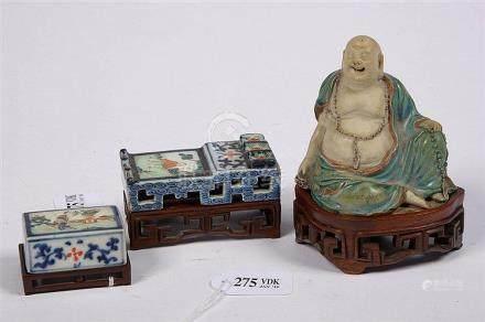 Ensemble comportant une boîte et un porte-pinceaux en porcel