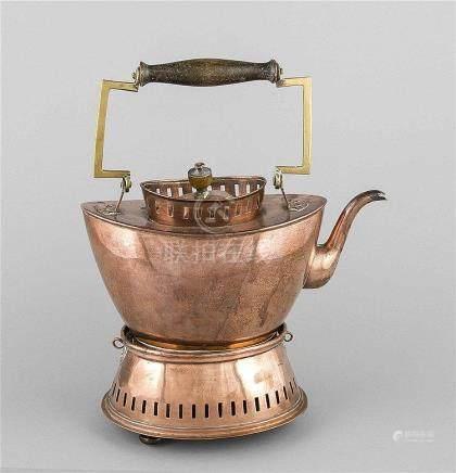 Teekanne mit Stövchen, Anf. 20. Jh., Kupfer u. Messing, oval