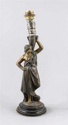 Figürl. Tischlampe, 2. H. 19. Jh., 1-flg. elektr., Weißguss,