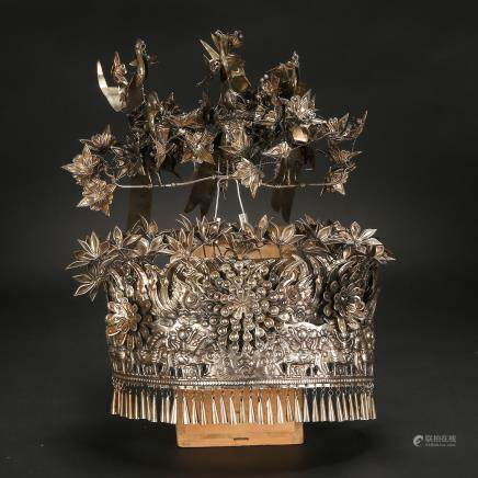 CHINESE SILVER WEDDING CROWN