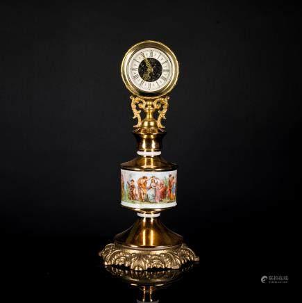 Antique / Vintage Enameled Clock