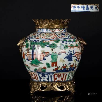18th Antique Export Wucai with Bronze Border
