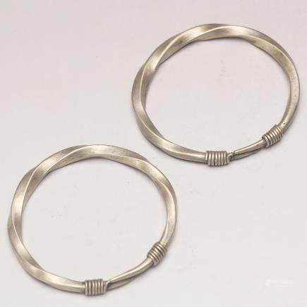 PAIR OF CHINESE SILVER BANGLE, QING DYNASTY