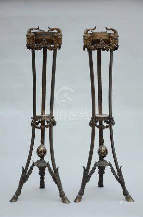 Pair of Napoleon III lamp bases in bronze (*) (114cm)